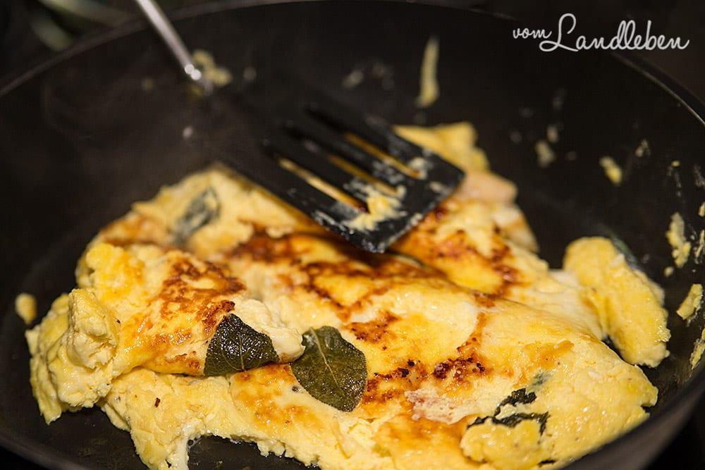 Rezept: Frittata - Käse-Omelett mit Salbei