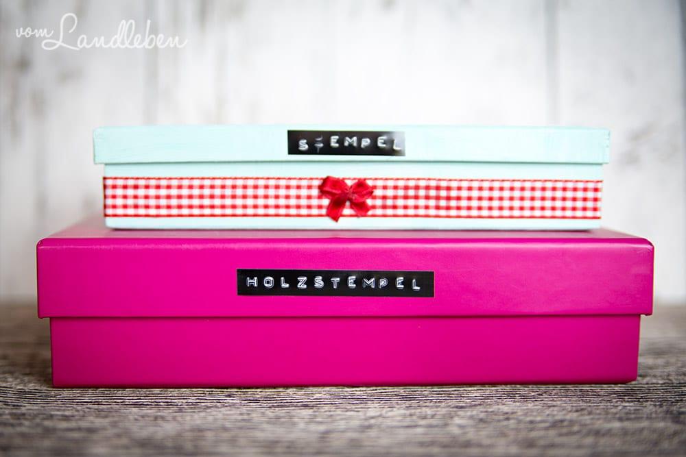 Beschriftete kleine Schachteln machen dir das Bastelleben leichter
