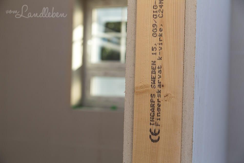 Unser Haus wurde in Dänemark hergestellt, mit Holz aus Schweden. :)