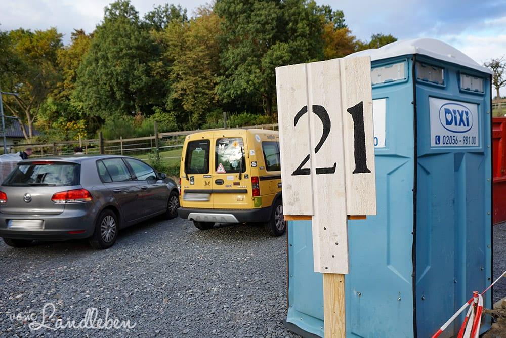 DIY: Hausnummer auf Holzbrett