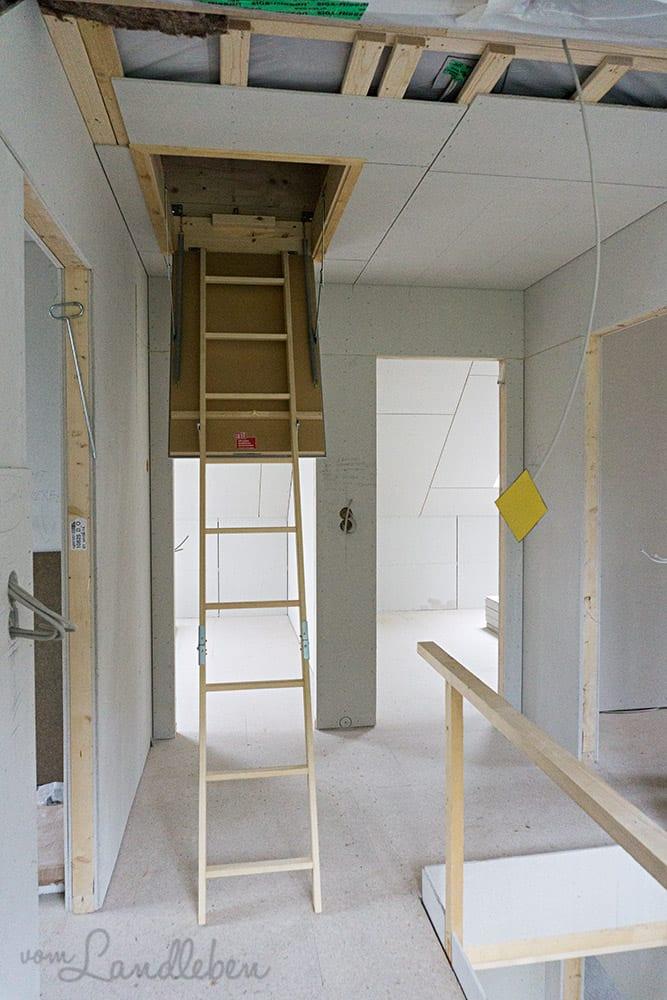 Die Falttreppe auf den Spitzboden