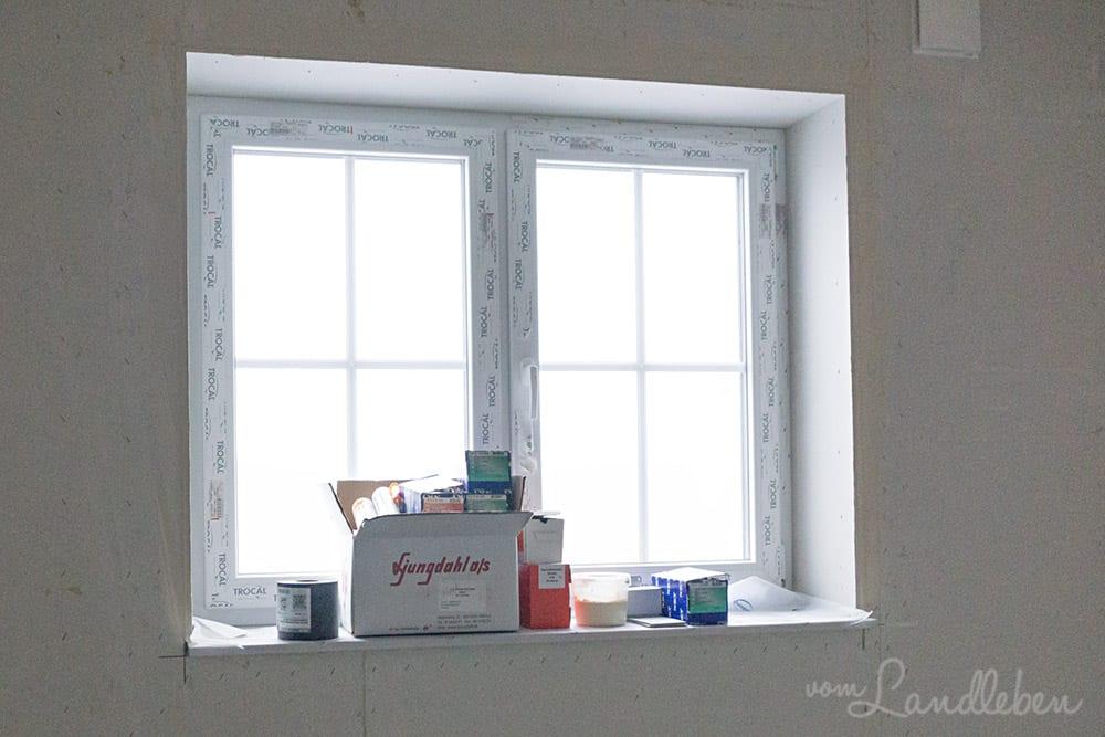 Noch sieht man nicht viel von den Fensterbänken, aber sie sind da ;-)