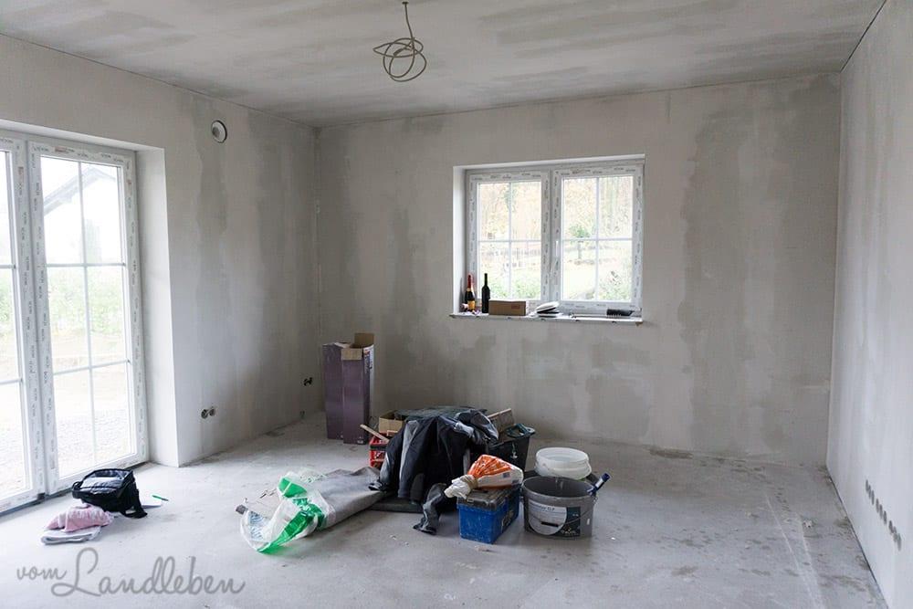 Die verspachtelten Wände im Wohnzimmer