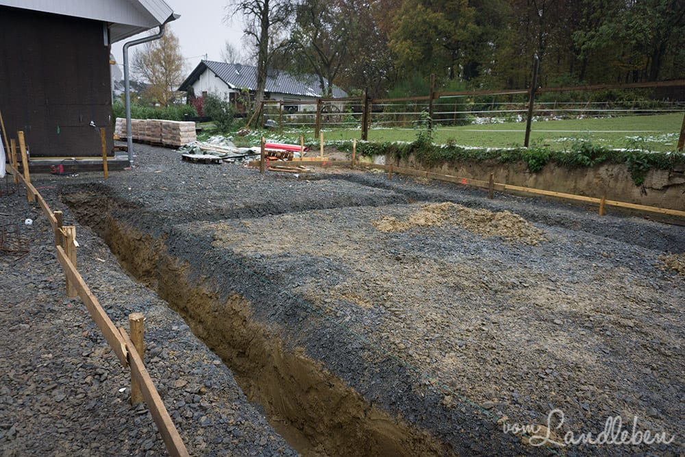Diese Gräben werden mit Beton verfüllt