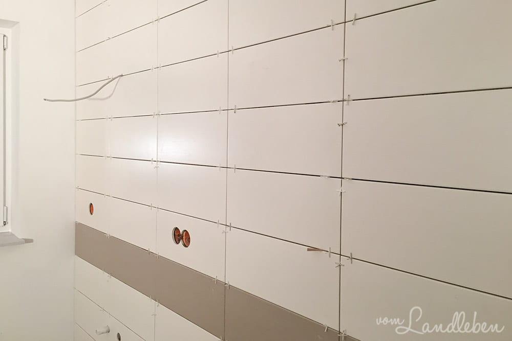 Die Wand mit dem Waschtisch