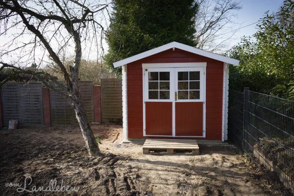 Unser Gartenhaus - Aufbau und Anstrich