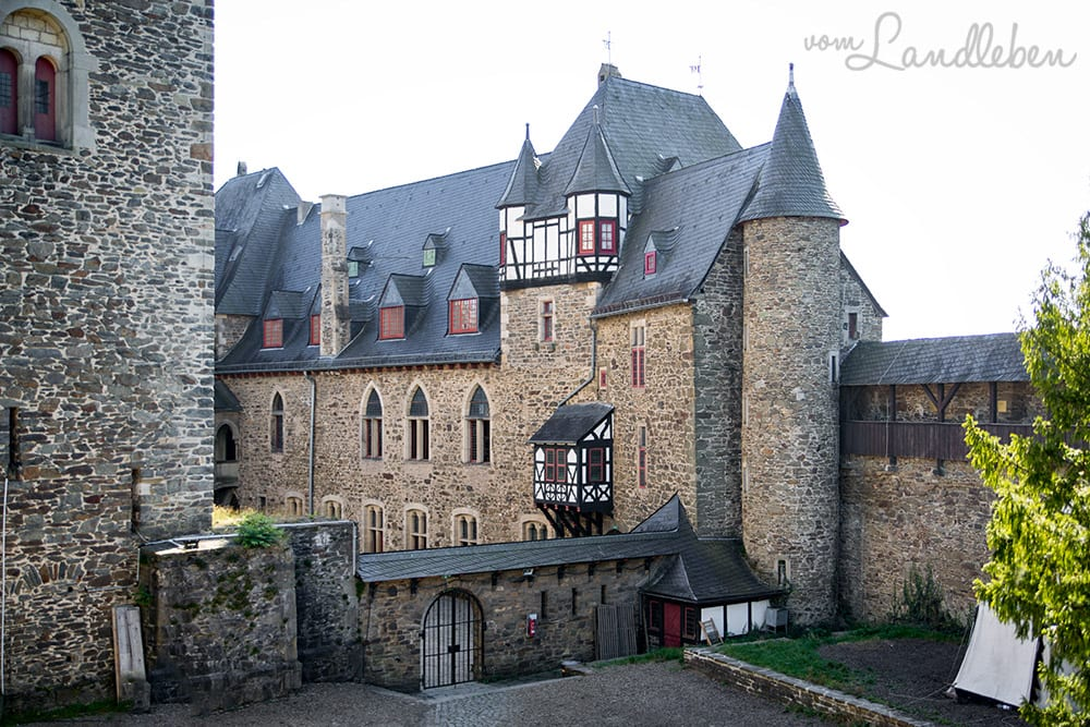 Schloss Burg - das Wahrzeichen des Bergischen Landes