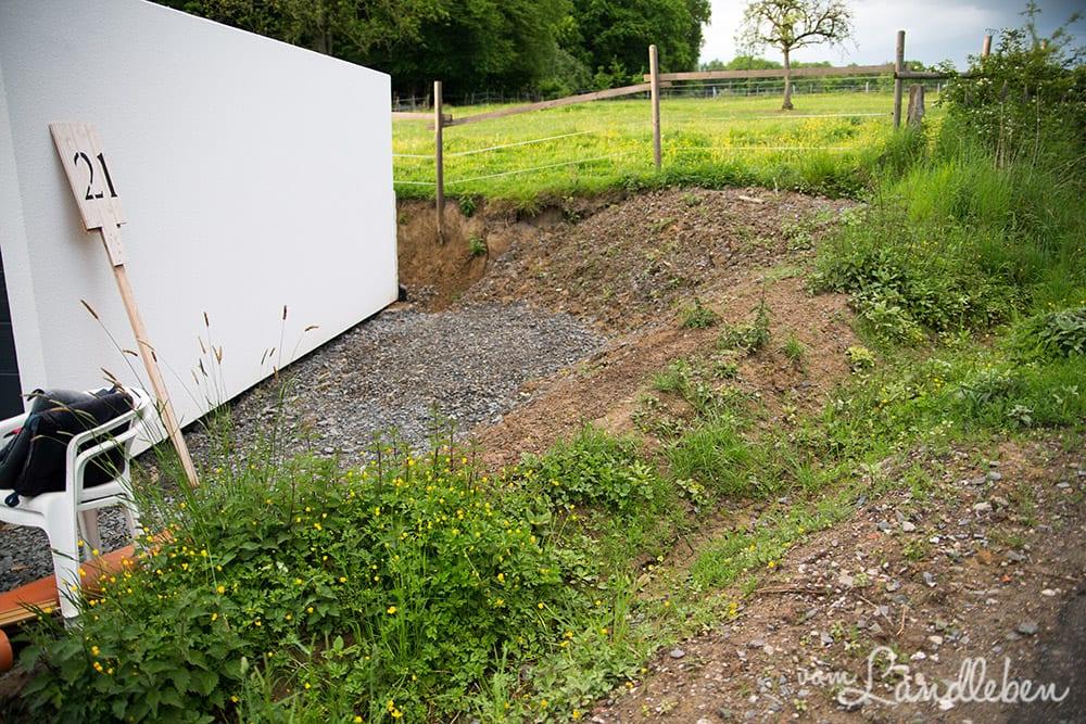 Gartenguckloch im Mai 2017 - an der Garage
