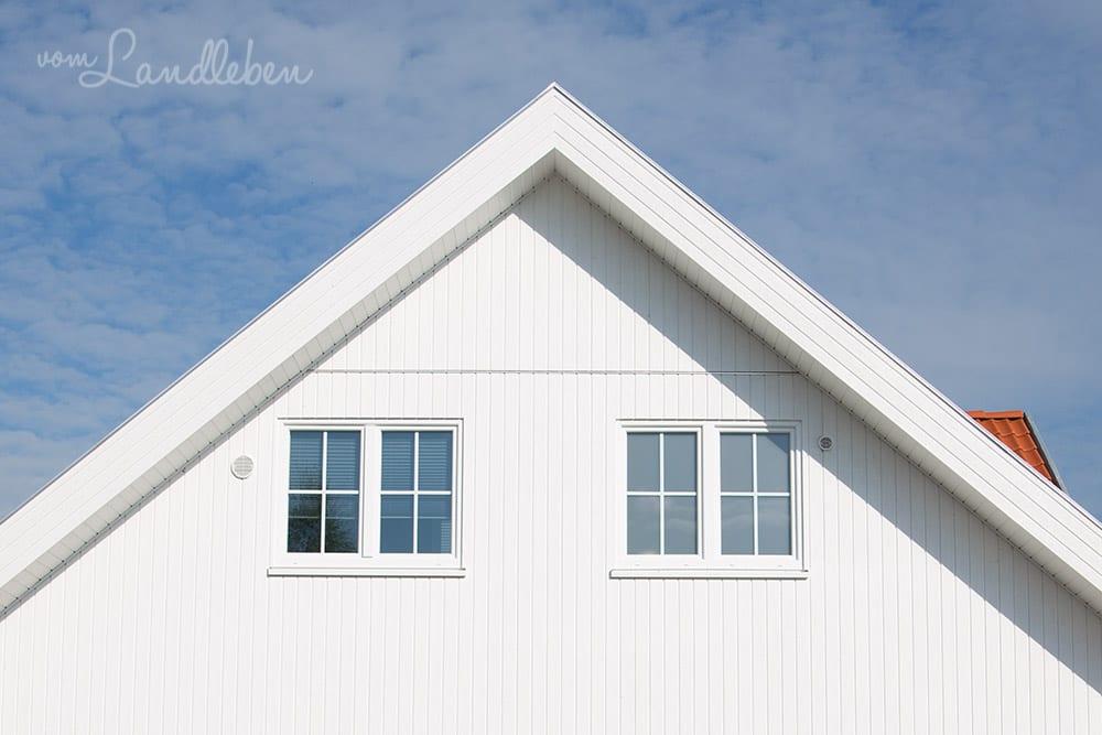 Danhaus: Satinovo-Glas und Sprossenfenster