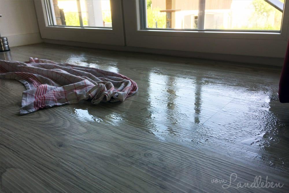 Kondenswasser auf dem Boden bei der Kühlfunktion der Acalor