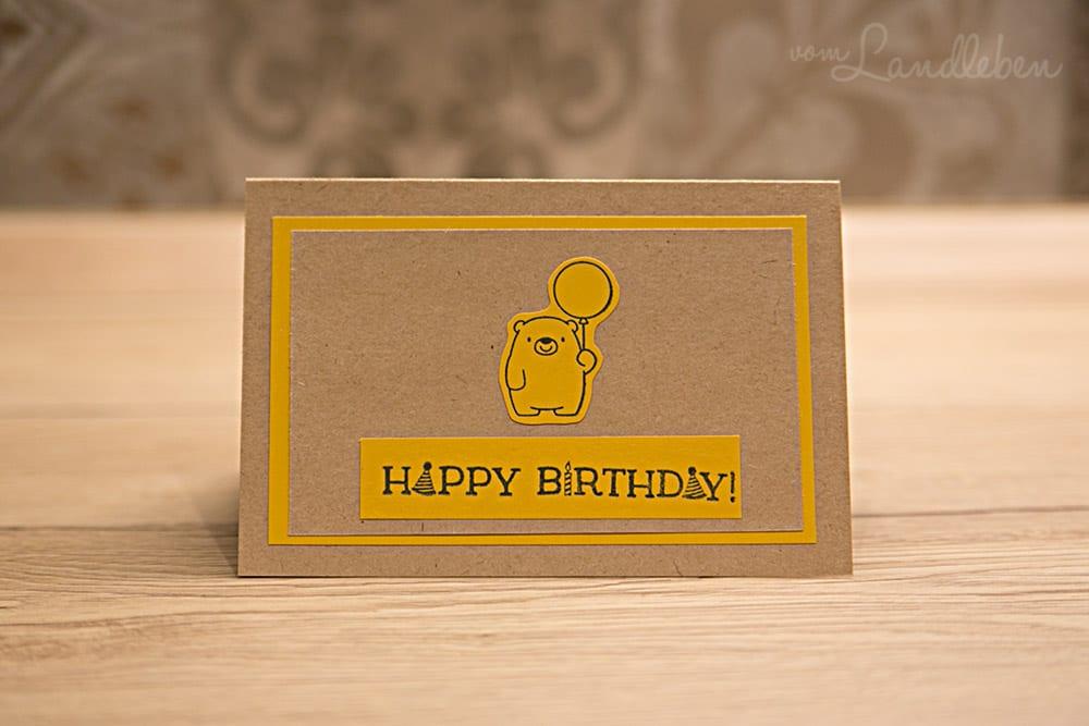 Selbstgebastelte Geburtstagskarte mit Bär