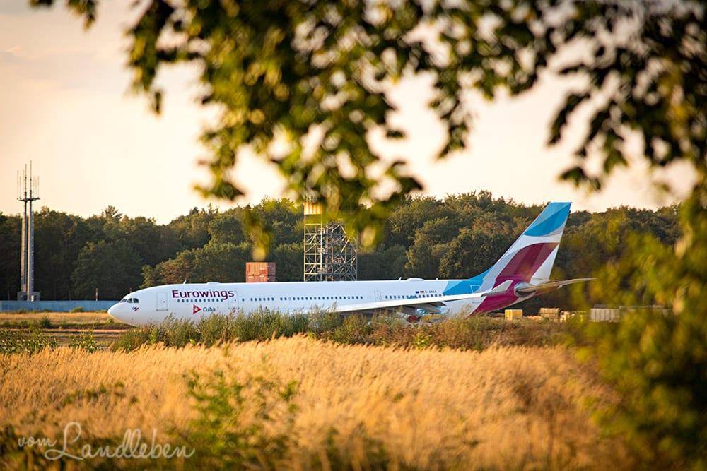 Flugzeuge spotten am Flughafen Köln/Bonn
