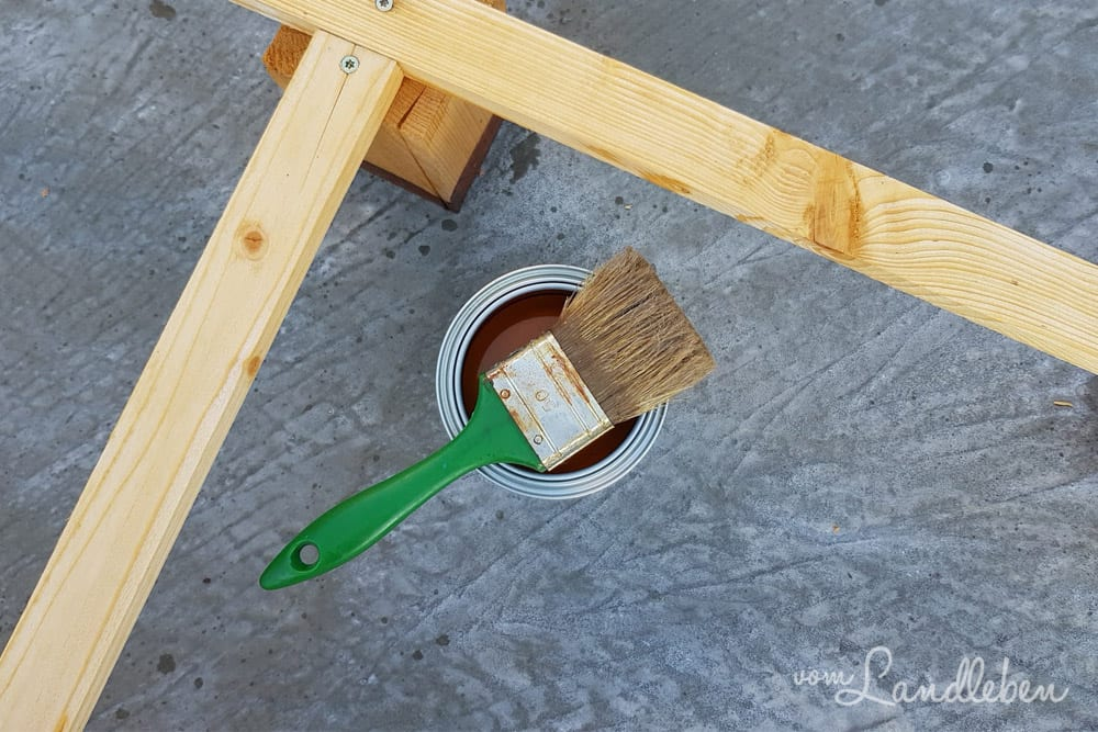 Begrünen der Garage - DIY-Rankgitter