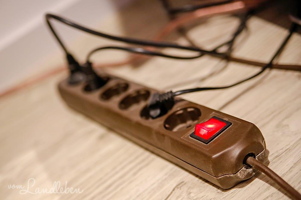 Eine schaltbare Steckdosenleiste hilft beim Stromsparen