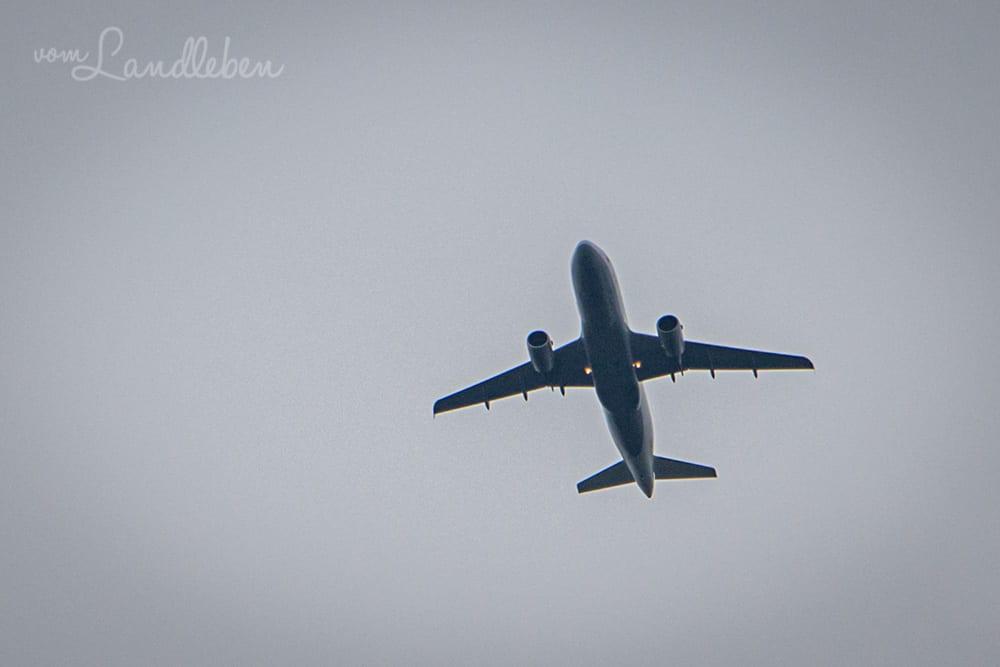 Flugzeug über dem Naafbachtal