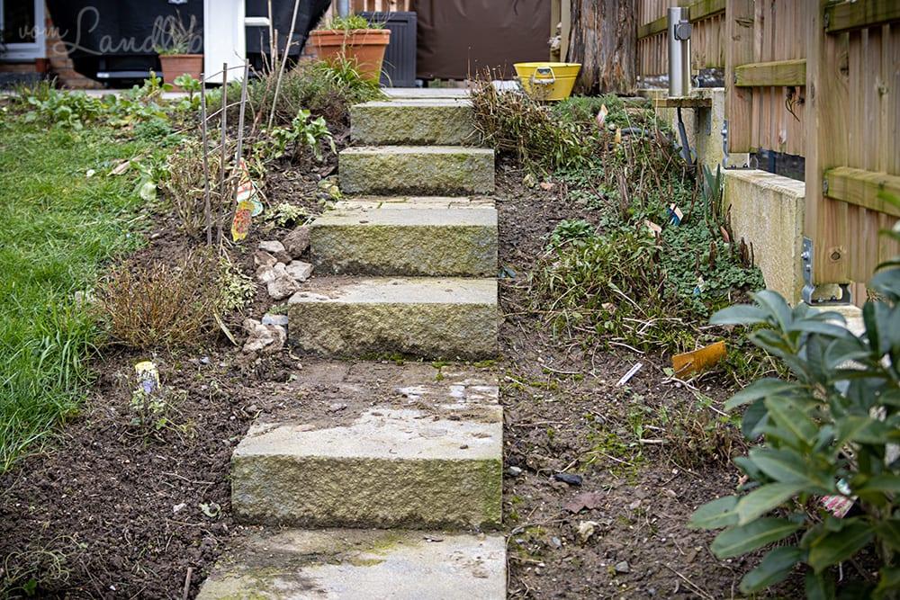 Gartentreppe im Februar 2020
