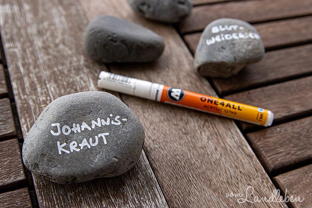 Steine beschriften mit Acrylstift