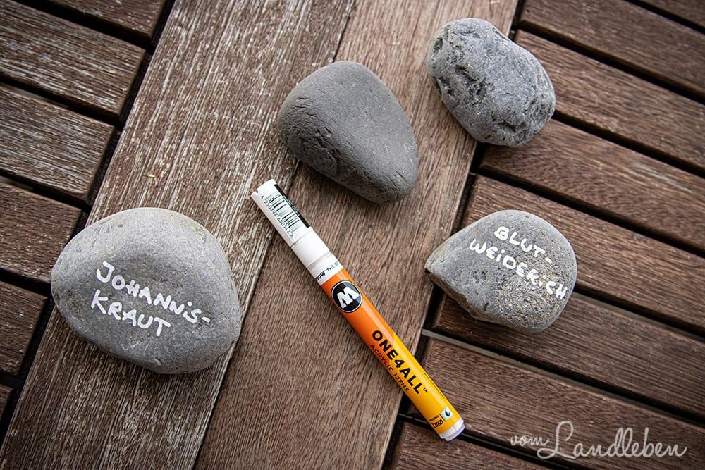 Steine als Pflanzenschilder