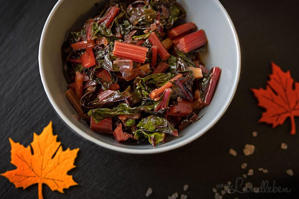 Rezept: Buntes Mangoldgemüse mit Ahornsirup