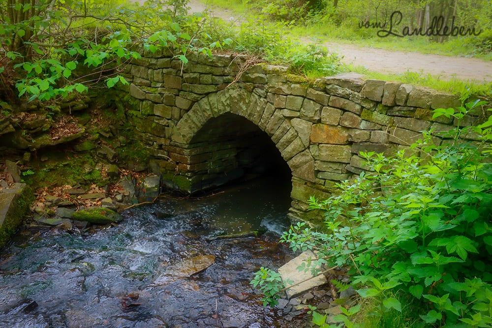 Steinbrücke im Wenigerbachtal bei Seelscheid