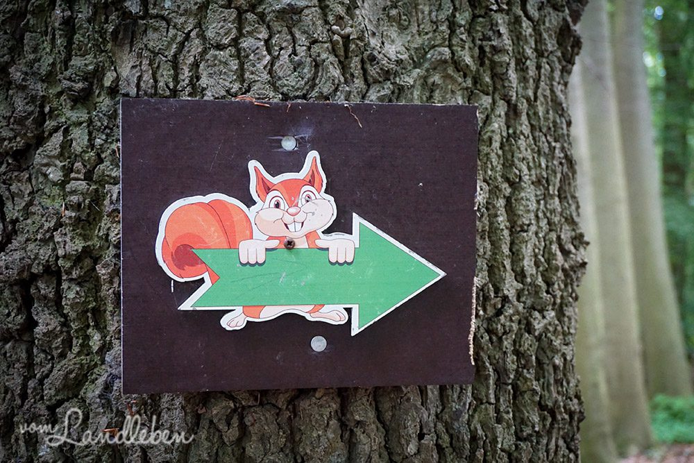 Wegweiser im Tierpark Tannenbusch in Dormagen